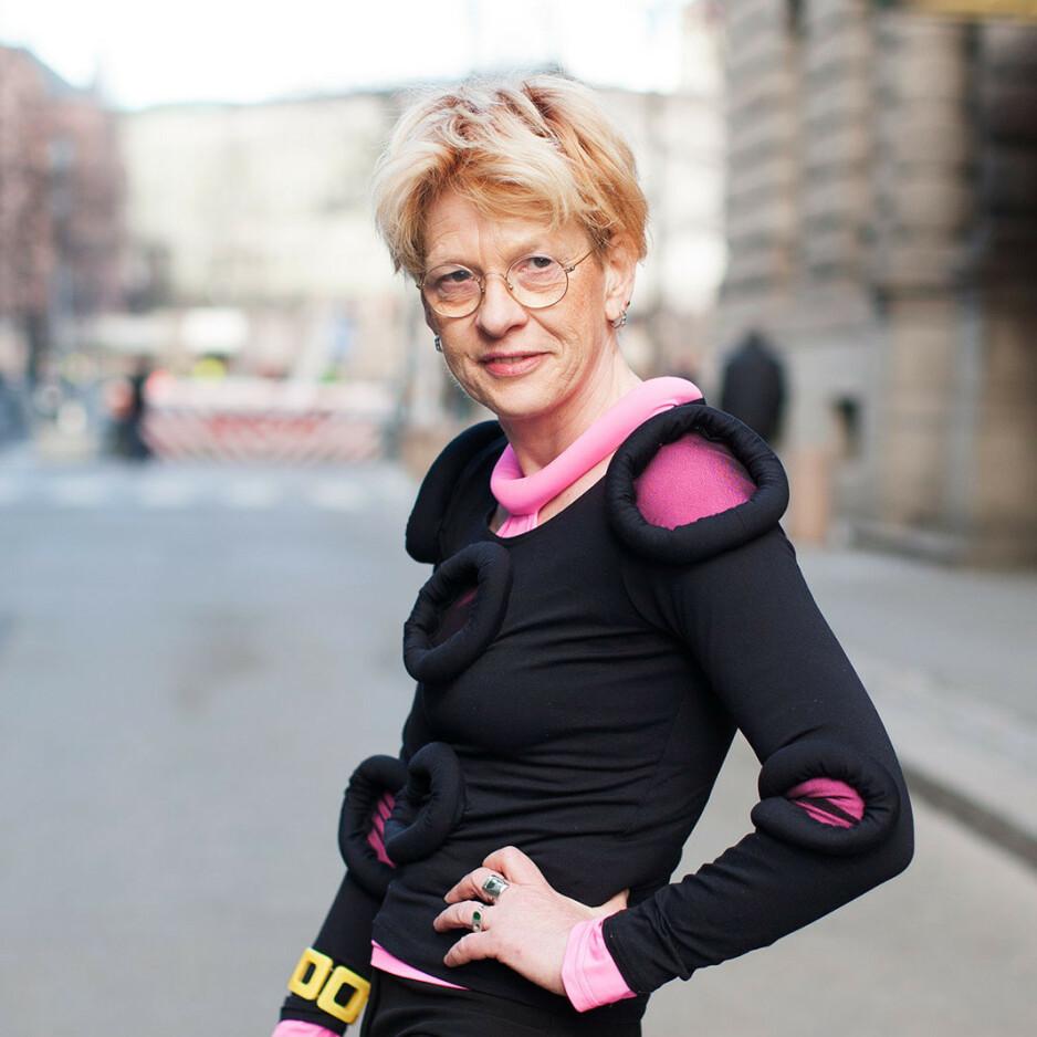 BEATE GRIMSRUD: Den norsk/svenske forfatteren har selv en krefthistorie bak seg, men den fabulerende romanen «Jeg foreslår at vi våkner» er ikke selvbiografisk. Foto: Cappelen Damm
