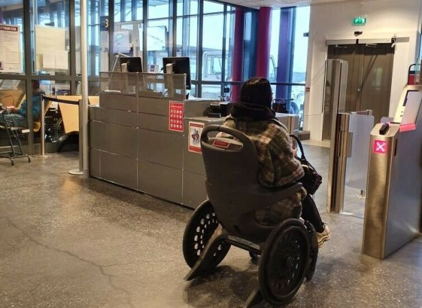 PÅ VEI HJEM: Wanda på vei hjem etter endt innspilling. Foto: Privat