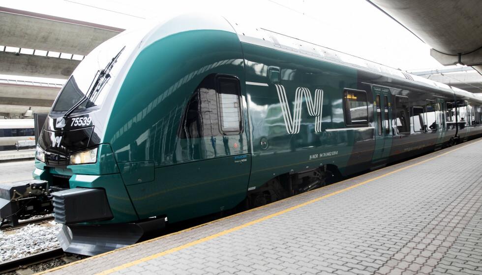 SOMMERSTENGING: I flere uker skal flere jernbanestrekninger på Østlandet stenge til fordel for vedlikeholdsarbeid. Foto: Berit Roald / NTB scanpix