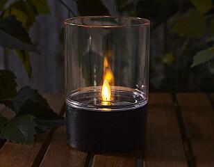LYKT MED FLAMME: Flammen beveger seg og oppleves som ekte.