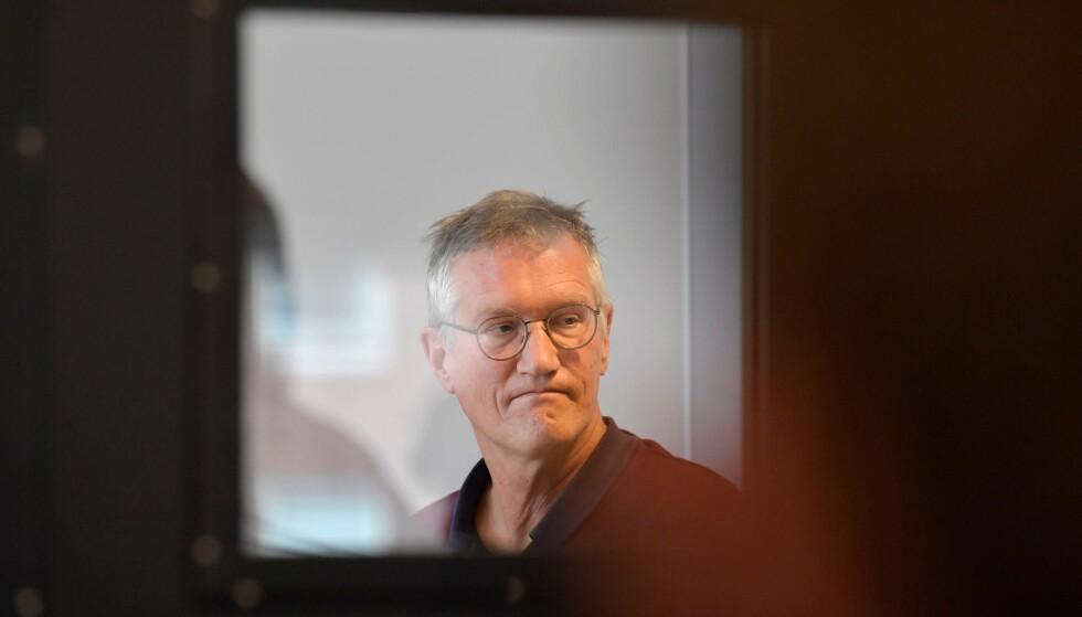 TRIST: Statsepidemiolog Anders Tegnell presenterte de nye talølene om døde av coronasykdommen i Sverige i dag. - Forferdelig trist, sier han. Foto: Jessica Gow / TT / AFP / Scanpix