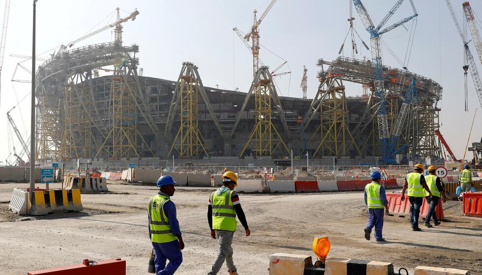 NULL RETTIGHETER: Flere fremmedarbeidere i Qatar står i fare for å miste jobben. De går en framtid i møte uten penger til mat, eller en vei ut av landet. Foto: Reuters.