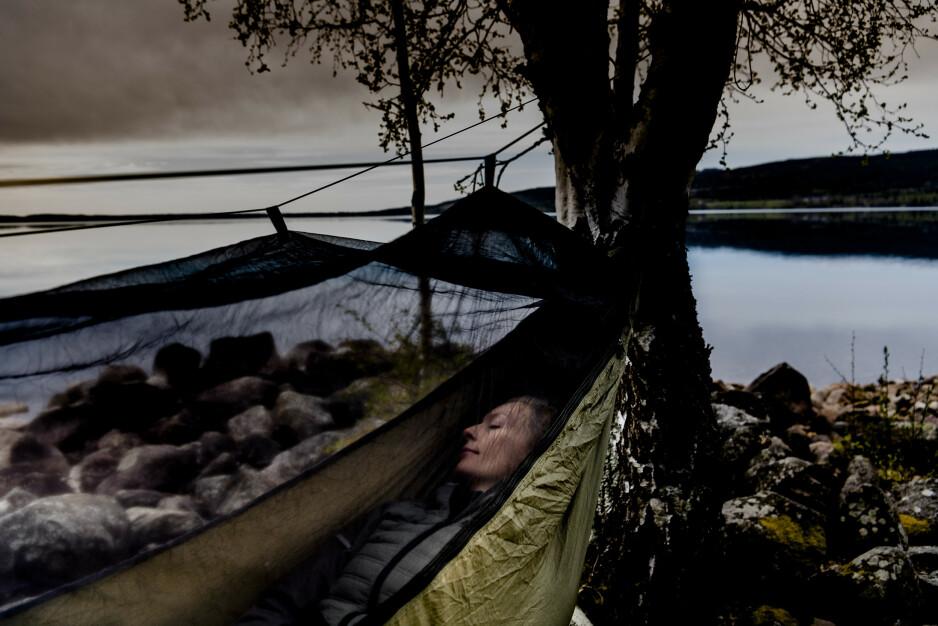 SOV GODT: Se hvilken hengekøye vi anbefaler til overnattingsturen i sommer. Foto: Lars Eivind Bones