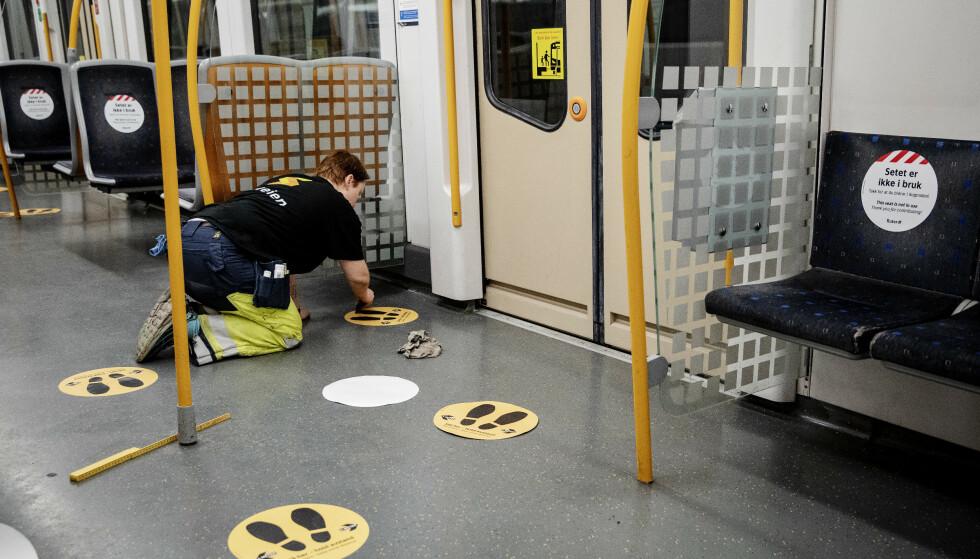 BARE PLASS TIL HALVPARTEN: Smittevernanbefalingene gjør at det ikke er plass til alle i kollektivtransporten i Oslo advarer samferdselsbyråd Arild Hermstad (MDG) Foto: Nina Hansen