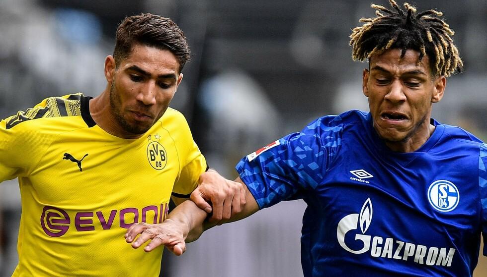 PRØVDE Å IRRITERE: Schalkes Jean-Clair Todibo (i blått). Her i duell med Achraf Hakimi. Foto: Martin Meissner / POOL / AFP