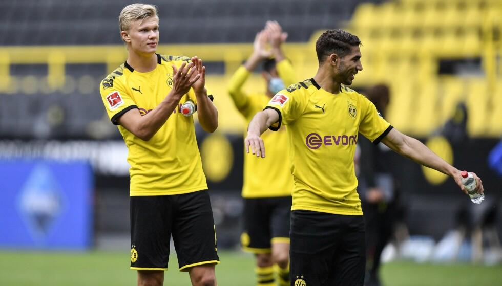 HYLLES: Erling Braut Haaland etter kampen mot Schalke 04. Foto: Martin Meissner / AP / NTB Scanpix
