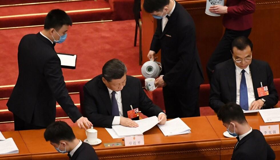 FOLKEKONGRESS: President Xi Jinping og statsminister Li Keqiang under folkekongressen i Beijing, der den nye sikkerhetsloven for Hongkong ventes vedtatt i løpet av få dager. Foto: Leo Ramirez / AFP / NTB Scanpix