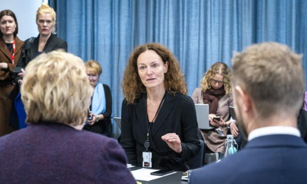 FHI-direktør Camilla Stoltenberg i møte med statsminister Erna Solberg og helse- og omsorgsminister Bent Høie 12. mars. Foto: Heiko Junge / NTB Scanpix