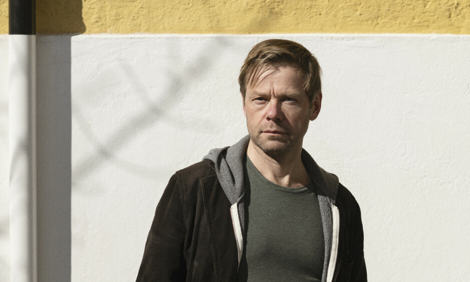 TRILOGI: Henrik Langeland har skrevet sin tredje roman om wonderboyen Christian von der Hall. Foto: IVAR KVAAL / CAPPELEN DAMM