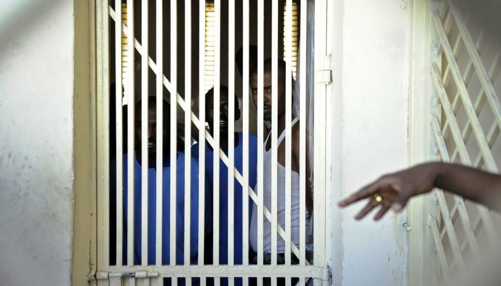 FENGSLET: Her i en slik fengselscelle i Hargeisa i Somaliland, sitter den dødsdømte norske statsborgeren Saad Jidre. Han deler celle med 16 andre menn. Foto: Tony Karumba / AFP Photo