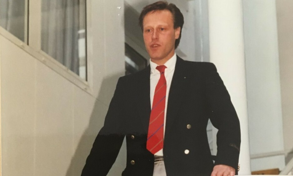 FORRETNINGSMANN: Tom Hagen jobbet seg opp fra null til en milliardformue. Møysommelighet, hardt arbeid og langsiktige prosjekter har vært grobunn for suksessen. Her et forretningsbilde av unge ingeniør Tom Hagen. Foto: Privat