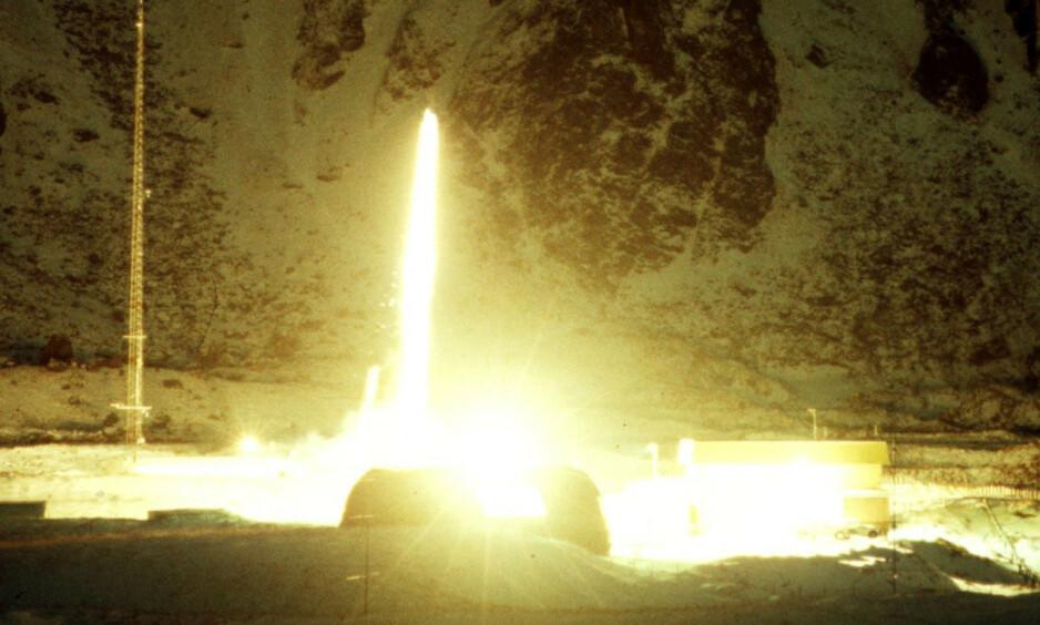 DRAMATISK: En vitenskapelig rakett går til værs fra Andøya rakettskytefelt. En annen Andøya-rakett utløste nesten atomkrig i 1995. Foto: Terje Mortensen / NTB scanpix