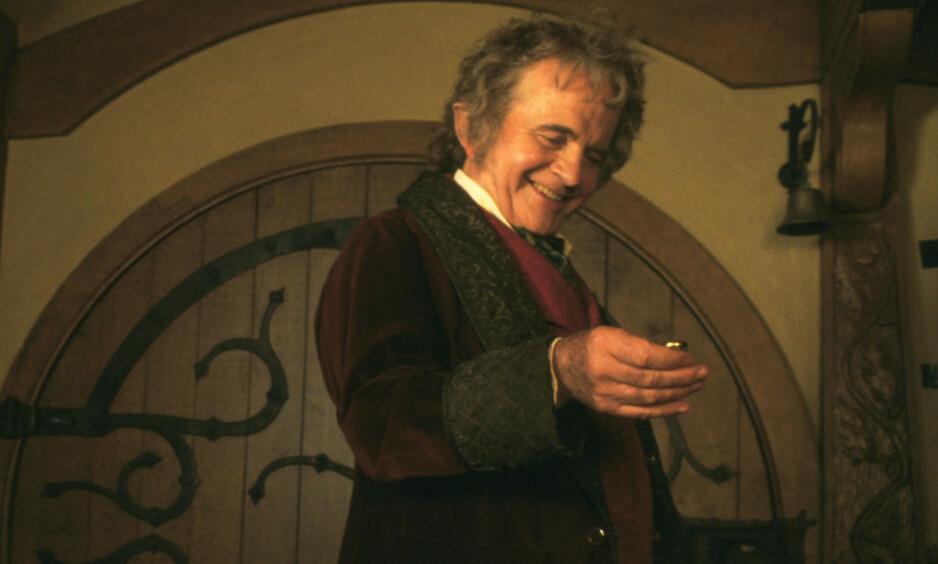 DØD: Den britiske skuespilleren Ian Holm er død. Han ble 88 år gammel. Her er han avbildet i rollen som Bilbo Baggins i filmen «The Lord of the Rings: The Fellowship of the Ring». Foto: NTB Scanpix