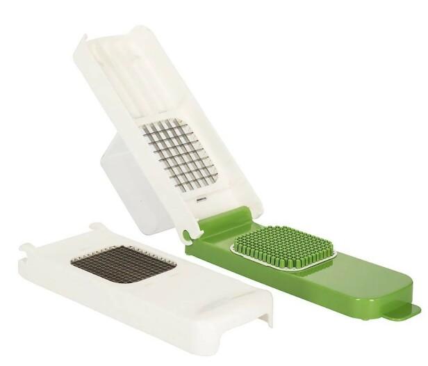 ALLIGATOR CHOPPER: Med ett enkelt trykk skjærer du frukt og grønt i staver eller terninger.