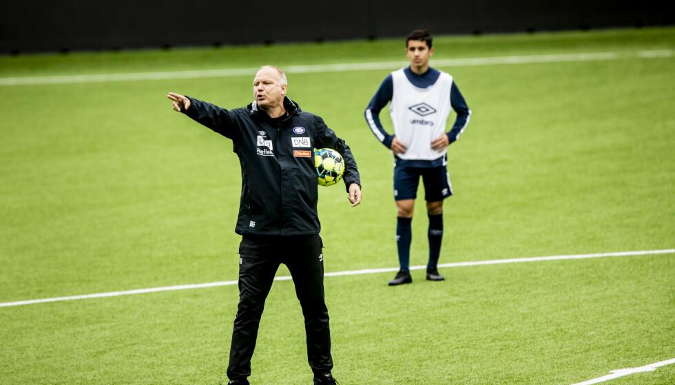 AKTIV: Vålerenga-trener Dag-Eilev Fargermo på trening på Intility. Foto: Christian Roth Christensen / Dagbladet