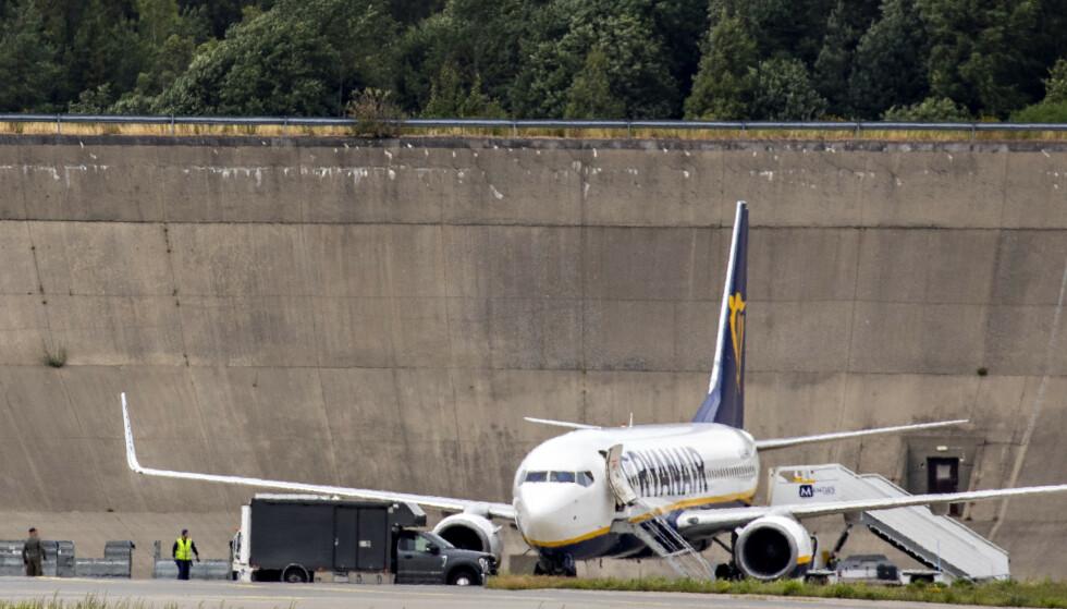 BOMBETRUSSEL: Dette Ryanair-flyet oppdaget en bombetrussen om bord da det var i luften på vei mot Oslo lufthavn Gardermoen fredag. Foto: Frank Karlsen / Dagbladet