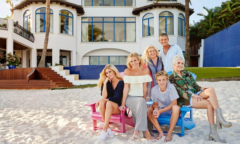TIL SALGS: Med en prislapp på 100 millioner svenske kroner ligger familien Parneviks luksusvilla til salgs. Foto: TV3 / Linus Hallsenius