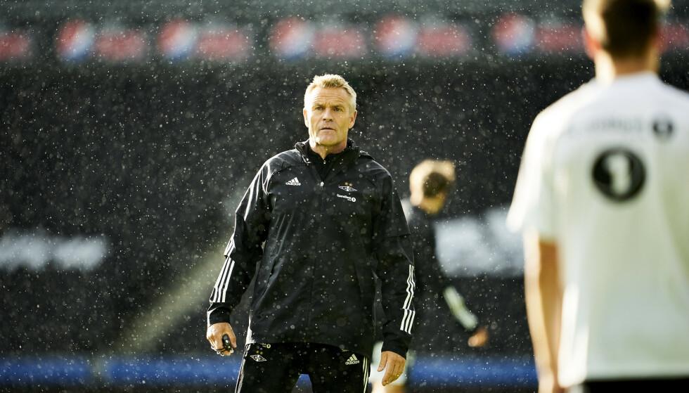 TØFF JOBB: Trond Henriksen har noen viktige kamper foran seg dersom klubben skal være med i medaljekampen. Foto: Jan Kåre Ness / NTB scanpix