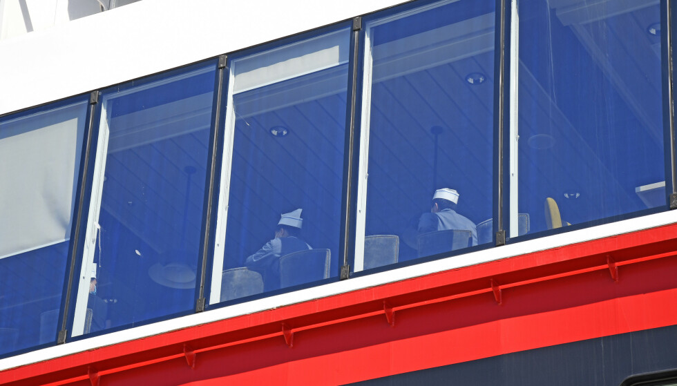 SMITTEUTBRUDD: 36 besetningsmedlemmer på Hurtigruten-skipet MS «Roald Amundsen» har blitt bekreftet smittet av coronaviruset etter seilasene. Foto: Rune Stoltz Bertinussen / NTB scanpix.