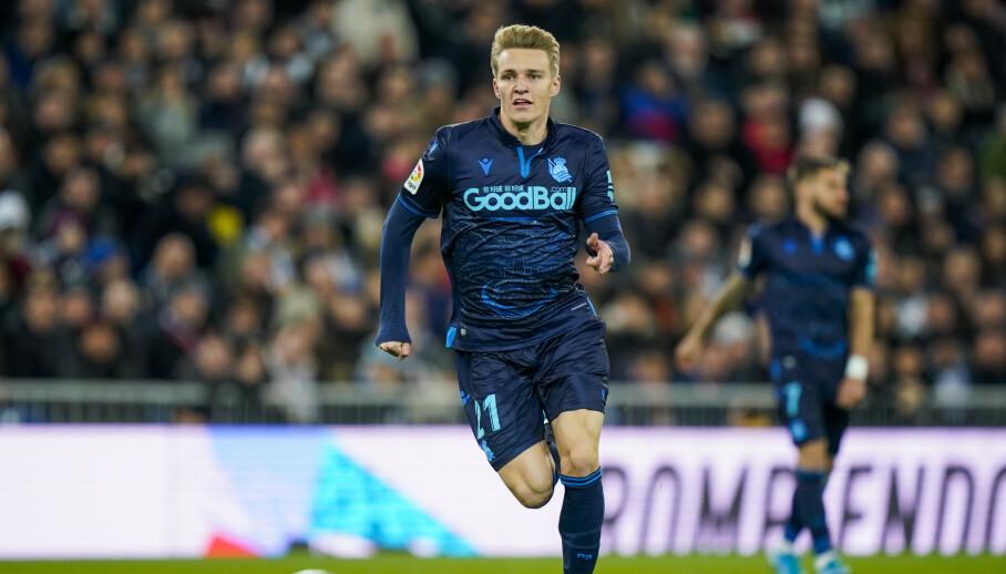 NÅ BLIR DET HVITT: Sist gang han var på Santiago Bernabeu spilte Martin Ødegaard Real Sociedad, i blått. Nå er han hentet tilbake til Madrid for å spille i hvitt. Foto: Heiko Junge / NTB scanpix