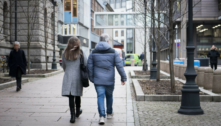 MISTER IKKE DATTEREN: Høyesteretts storkammerbehandling av barnevernssaker i februar var siste sjanse for å unngå at datteren ble tvangsadoptert for denne mora og faren. Nå er adopsjonsplanene endelig avblåst. Foto: Lars Eivind Bones