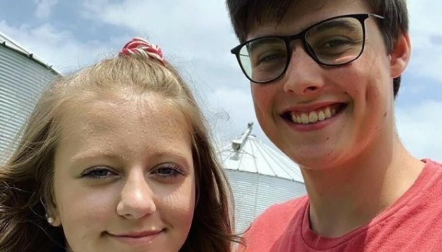 GIKK BORT: Youtube-stjerna Landon Clifford (til høyre) er død. Her er han sammen med kona Camryn Clifford, som han drev en svært populær Youtube-kanal sammen med. Foto: Skjermdump fra Instagram