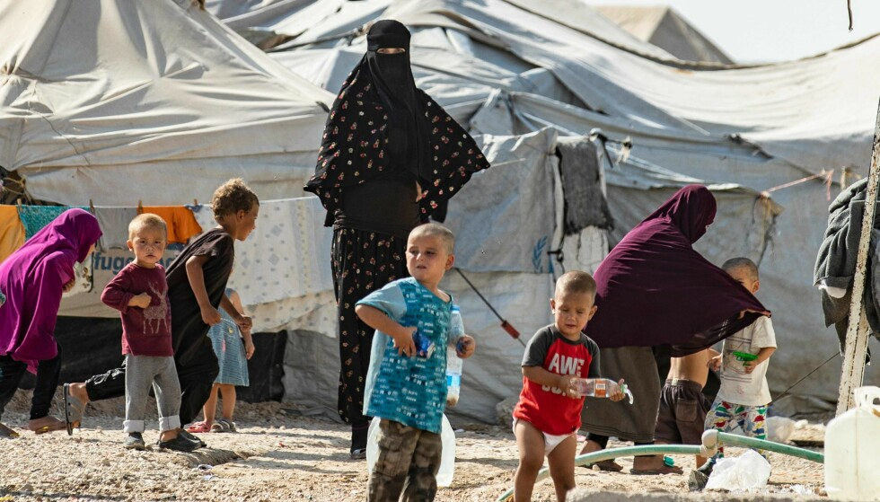 BARN DØR: På en uke dødde det åtte barn av indre blødninger, hjertesvikt og underernæring. Nå frykter de at situasjonen i al-Hol leiren blir ytterligere forverret med corona pandemien. Foto: AFP/NTB Scanpix.