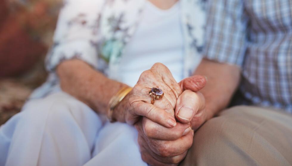 <strong>FÆRRE FÅR ETTERLATTEPENSJON:</strong> Antall mottakere av etterlatteytelser under 67 år har falt betydelig de siste 40 årene, særlig for kvinner. Foto: NTB scanpix