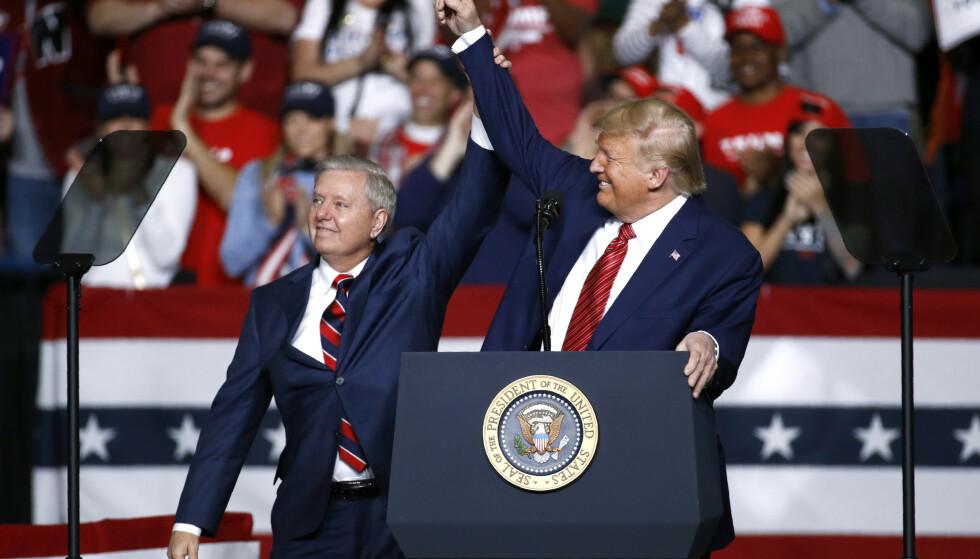 TAP ELLER VINN? Senator Lindsey Graham var en av Donald Trumps største kritikere på blant Republikanerne. Nå er han en av presidentens viktigste støttespillere. Det er han som skal lede høringen av Amy Coney Barrett i Senatets justisomité. Foto: AP Photo / Patrick Semansky / NTB