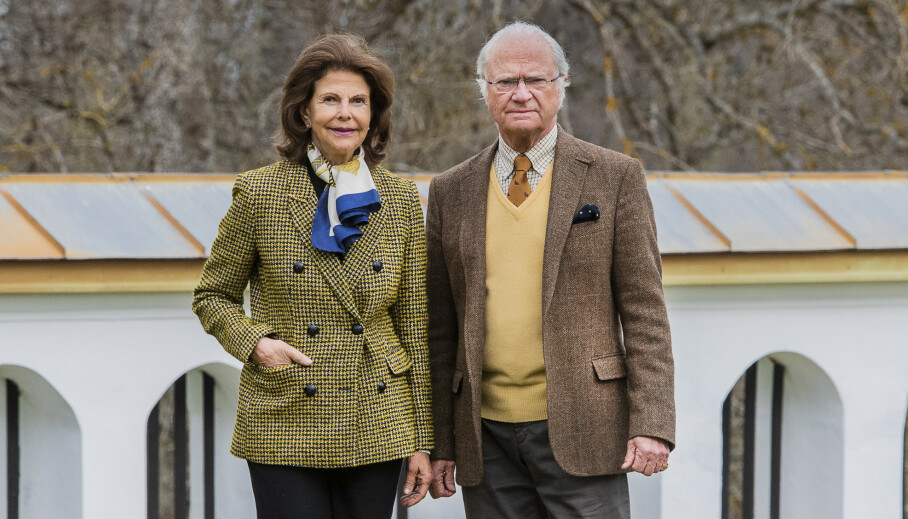 <strong>NABOBRÅK:</strong> Dronning Silvia har et sterkt sosialt engasjement, og er spesielt opptatt av demente. Derfor har hun fått bygd flere leiligheter til demente. Det setter naboene fint lite pris på. Her er hun fotografert med kong Carl Gustaf tidligere i år. Foto: Jonas Ekströmer/TT / NTB