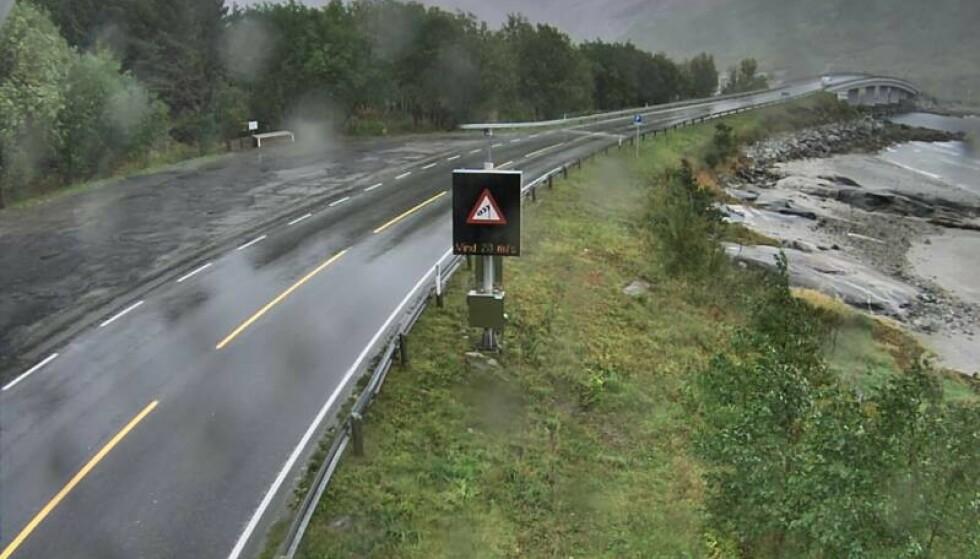 <strong>VENTET MYE REGN:</strong> Her fra fylkesvei 17 ved Åselibrua øst for Bodø. Foto: Vegvesenet