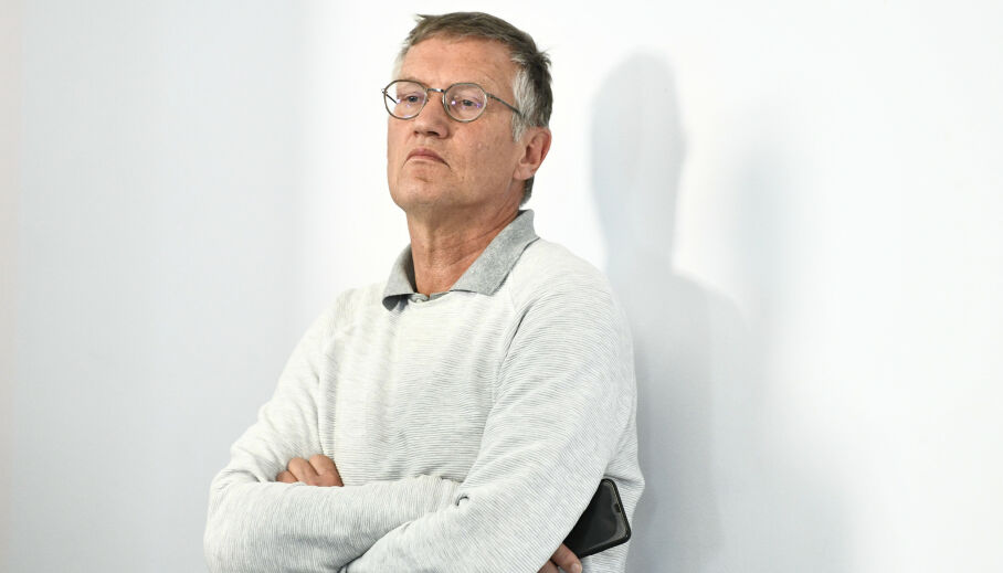 STÅR FOR VALGET: Sveriges statsepidemiolog Anders Tegnell står for valget av strategi. Foto: TT / NTB