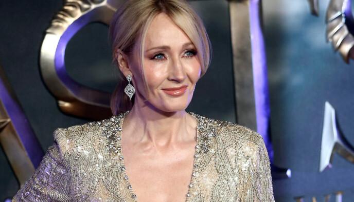 MØTER KRITIKK: Forfatter J.K. Rowling har møtt mye motstand for uttalelser om transpersoner på Twitter. Foto: REUTERS/Neil Hall/File Photo/NTB