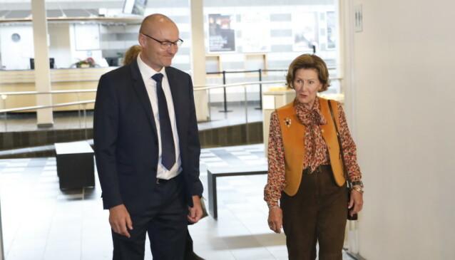 <strong>PÅ OPPDRAG:</strong> Dronning Sonja fulgte planen, og dro på besøk til Lillehammer. Foto: Christian Roth Christensen/Dagbladet