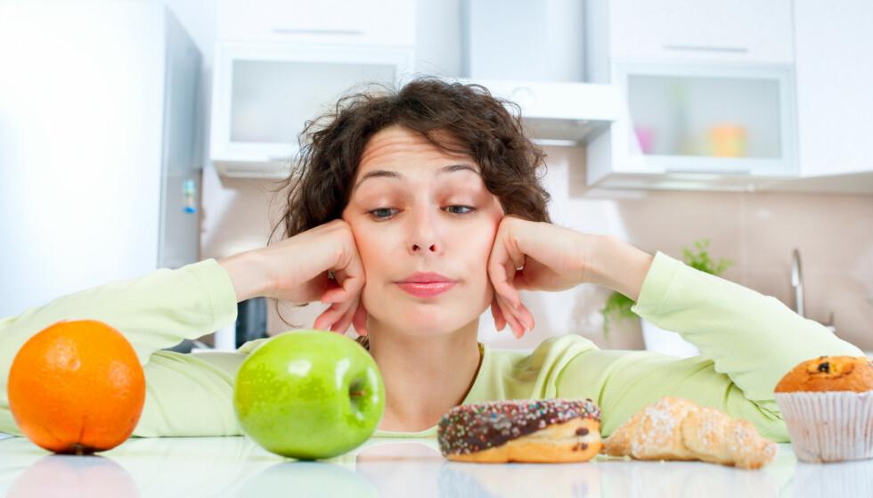 KOLESTEROL: Det er ugunstig å gå med høyt kolesterol over lang tid da det gir økt risiko for hjerte- og karsykdommer. Det er derfor viktig å følge med på utviklingen, selv hos yngre mennesker. Foto: NTB Scanpix