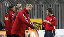 <strong>JEVNT:</strong> Hareide og Norge tapte 0-1 i begge kampene mot Tsjekkia, og kvalifiserte seg ikke til VM i 2006. Foto: Tor Richardsen / NTB