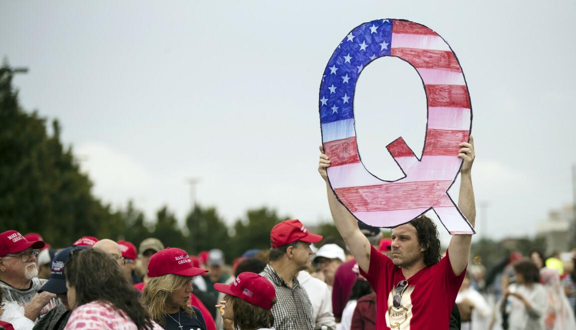 KONSPIRASJONEN: QAnon har fått mange tilhengere siden starten i 2017. Foto: AP/NTB.