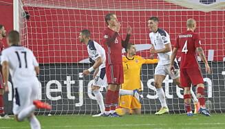 <strong>SKUFFELSE:</strong> Serbia feirer scoring. S Foto: Bjørn Langsem / Dagbladet