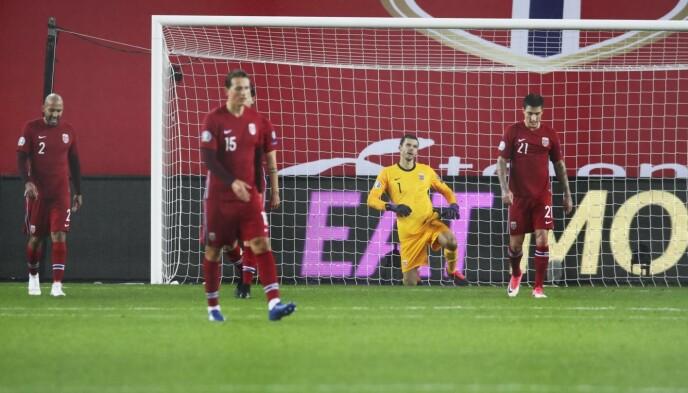 <strong>MASSIV NEDTUR:</strong> De norske spillerne ville til fotball-EM neste sommer. Det ble med drømmen. Foto: Bjørn Langsem