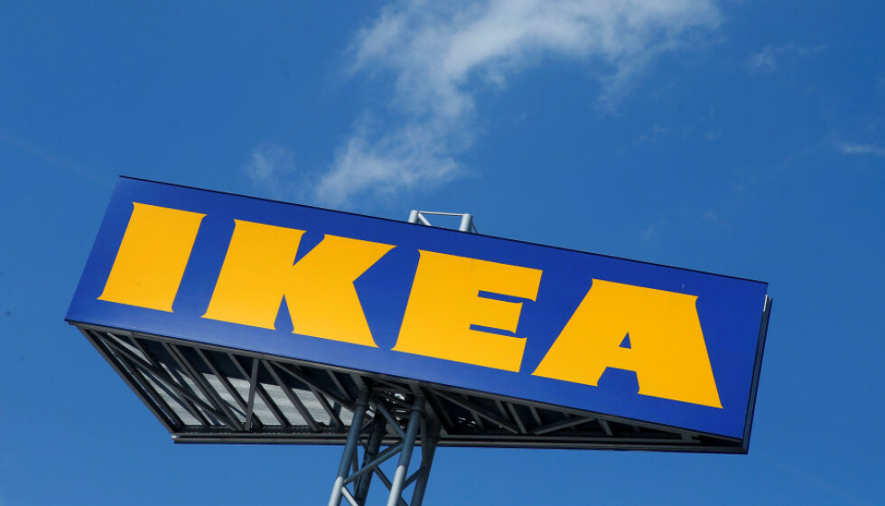 KJØPER BRUKTE MØBLER: Møbelkjeden IKEA ønsker å kjøpe tilbake uønskede IKEA-møbler for å bli mer klimapositive. Foto: Heinz-Peter Bader/ Reuters/ NTB