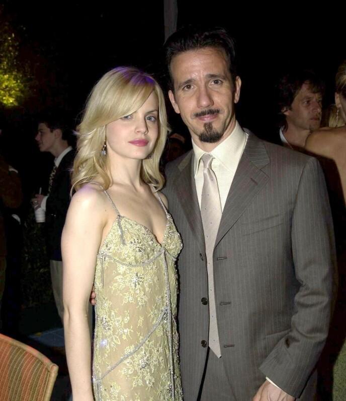 EKTEMANN NUMMER EN: Mena Suvari var gift med 17 år eldre Robert Brinkmann på starten av 2000-tallet. Her er de avbildet i 2003. Foto: Reuters/ NTB