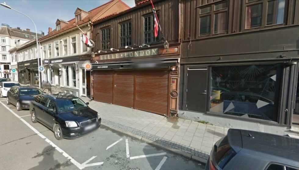 STOR SMITTEKLYNGE: Nærmere 800 personer er ble i forrige uke satt i karantene, etter at smitteklyngen rundt utestedet Lille London økte i omfang. Skjermdump: Google maps