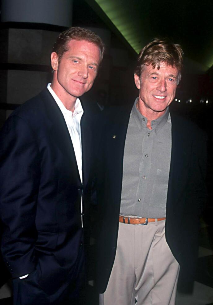 FAR OG SØNN: Her er James Redford (til venstre) sammen med faren Robert Redford under filmfestivalen i Toronto i 1999. Foto: Araldo Di Crollanza / REX / NTB