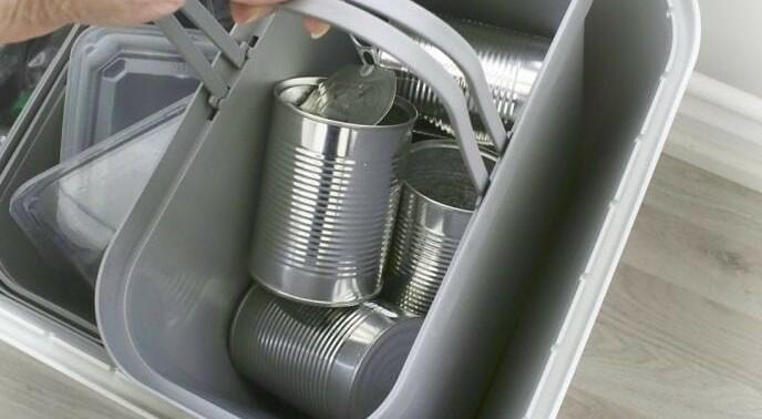 DET NYTTER: En resirkulert hermetikkboks sparer like mye energi som ett døgns PC-bruk.