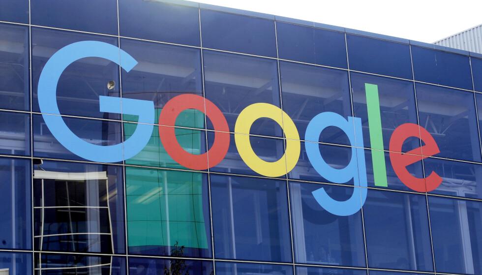 GOOGLE: Teknologigiganten Apple mottar årlig mellom 8 og 12 milliarder dollar fra Google for å bruke Googles søkemotor som standard, ifølge USAs justisdepartement. Foto: Ntb Scanpix