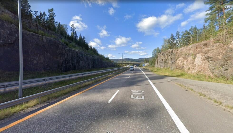SATT NED: Fartsgrensa er vanligvis 110 på strekningen, men var satt til 50 da popstjerna ble tatt. Foto: Google Maps