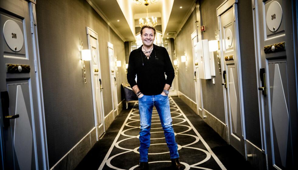 TO SIDER: Runar Søgaard er reality-kjendisen som påstår at han avskyr tv, og at han hele sitt voksne liv har prøvd å holde seg unna media. Foto: Christian Roth Christensen / Dagbladet