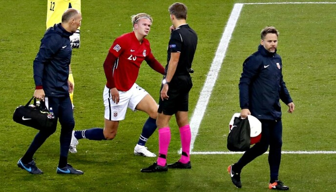DÅRLIG DAG PÅ JOBB: Erling Braut Haaland var blant storspillerne som ikke lyktes mot Serbia. Foto: Bjørn Langsem