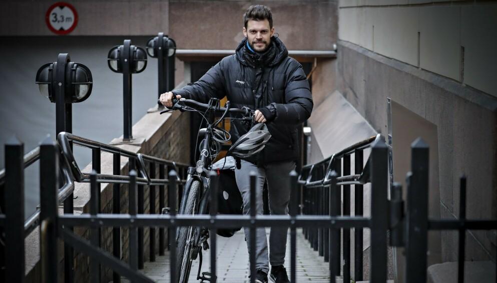 VIL HA KUTT I POLITIKER-LØNNINGENE: På Stortingets siste dag gjør Rødt-leder Bjørnar Moxnes et nytt forsøk på å sette ned politikerlønningene. Foto: Dagbladet