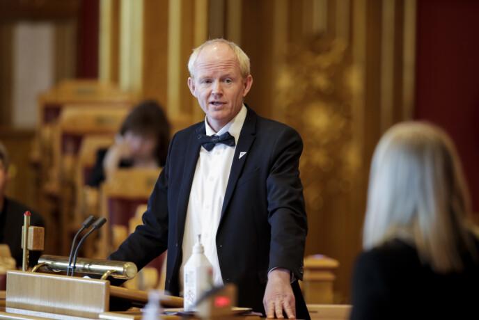 EIERSKAP: Lars Haltbrekken (SV) vil ha Senterpartiet med på å sikre offentlig eierskap til norsk vindkraft. Foto: Vidar Ruud / NTB